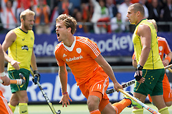 THE HAGUE - Rabobank Hockey World Cup 2014 - 15-06-2014 - MEN - FINAL AUSTRALIA - THE NETHERLANDS 6-1 -  Jeroen Hertzberger scoort de 0-1.<br /> Copyright: Willem Vernes