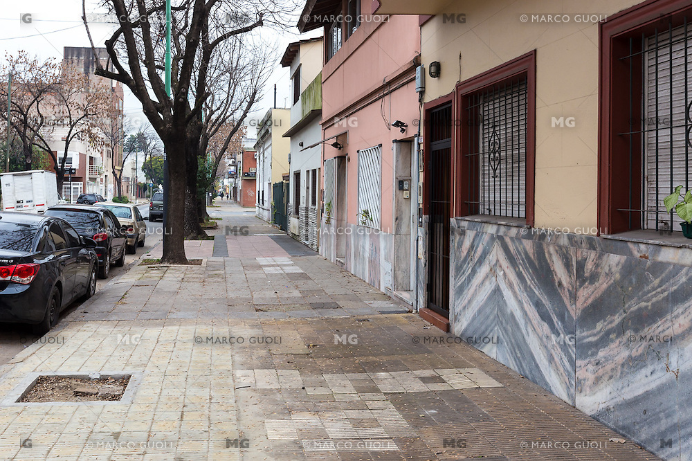 INTERIORES DE UN BED AND BREAKFAST, BARRIO DE CABALLITO, CIUDAD AUTONOMA DE BUENOS AIRES, ARGENTINA (PHOTO BY MARCO GUOLI - © AIRBNB, INC. - ALL RIGHTS RESERVED. CONTACT THE COPYRIGHT OWNER FOR IMAGE REPRODUCTION)