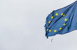 THEMENBILD - ein zerrissene Europa Flagge weht im Wind, aufgenommen am 05. Juni 2017 auf der Grossglockner Hochalpenstrasse, Fusch an der Großglocknerstraße, Österreich // A torn European flag blowing in the wind on 2017/06/05, Fusch an der Grossglocknerstrasse, Austria. EXPA Pictures © 2017, PhotoCredit: EXPA/ JFK