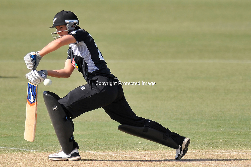 Sara McGlashan keeps one out for the White Ferns during action in Game 6 (ODI) of the Rose Bowl Trophy Cricket played between Australia and New Zealand at Alan Border Field in Brisbane (Australia) ~ Monday 14May 2011 ~ Photo : Steven Hight (AURA Images) / Photosport
