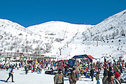 Israel, Hermon Mountain, holidaymakers at the skiing site