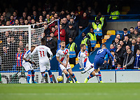 Football - 2019 / 2020 Premier League - Chelsea vs. Crystal Palace<br /> <br /> An early chance for Mason Mount (Chelsea FC) as former player Gary Cahill (Crystal Palace) blocks his effort at Stamford Bridge <br /> <br /> COLORSPORT/DANIEL BEARHAM