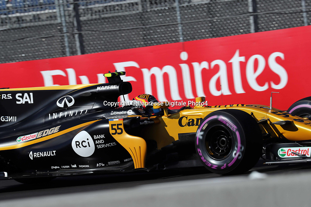 &copy; Photo4 / LaPresse<br /> 27/10/2017 Mexico City, Mexico<br /> Sport <br /> Grand Prix Formula One Mexico 2017<br /> In the pic: Carlos Sainz Jr (ESP) Renault Sport F1 Team RS17