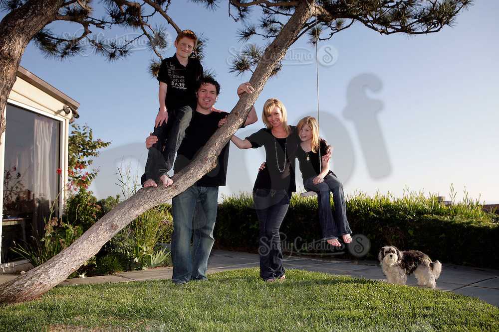 5 December 2008:  Brad, Brigette, Tyler, and Samantha May family in Corona Del Mar, CA at their home and a private beach.