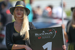 May 6, 2018 - Brands Hatch, Grande Bretagne - GRID GIRL (Credit Image: © Panoramic via ZUMA Press)