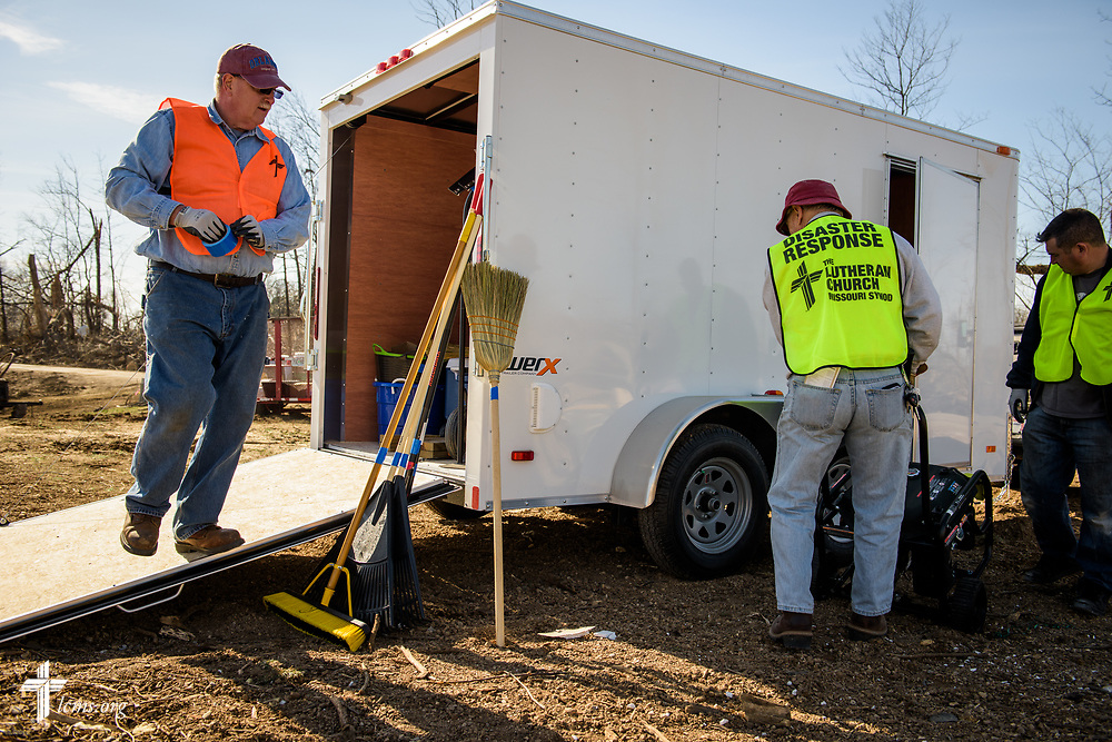 Volunteers unload a disaster trailer as volunteers help cleanup on Saturday, March 4, 2017, in Perryville, Mo. LCMS Communications/Erik M. Lunsford