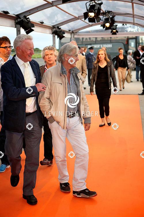 KATWIJK - Op vliegbasis Valkenburg hield Soldaat van Oranje een tweede premiere ter gelegenheid van een nieuwe Cast.  Met op de foto regisseur Paul Verhoeven. FOTO LEVIN DEN BOER - PERSFOTO.NU
