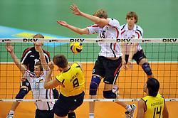 17.09.2010, Arena Ludwigsburg, Ludwigsburg, GER, Vorbereitung Volleyball WM 2010, Laenderspiel Deutschland ( GER ) vs. Brasilien ( BRA ) 3:2, im Bild Patrick Steuerwald (#17 GER / Perugia ITA), Max Guenthoer (#15 GER / Haching GER) - Murilo Endres (#8 BRA), Rodrigo Santana (#14 BRA). EXPA Pictures © 2010, PhotoCredit: EXPA/ nph/   Conny Kurth+++++ ATTENTION - OUT OF GER +++++