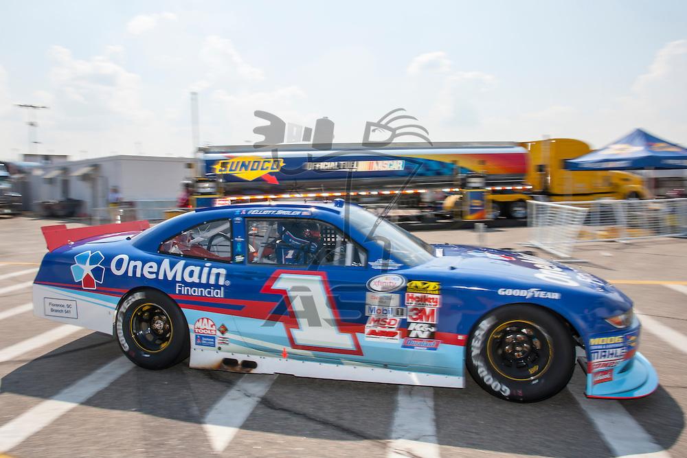 Darlington, SC - Sep 04, 2015:  The NASCAR Xfinity Series teams take to the track for the VFW Sport Clips Help A Hero 200 at Darlington Raceway in Darlington, SC.