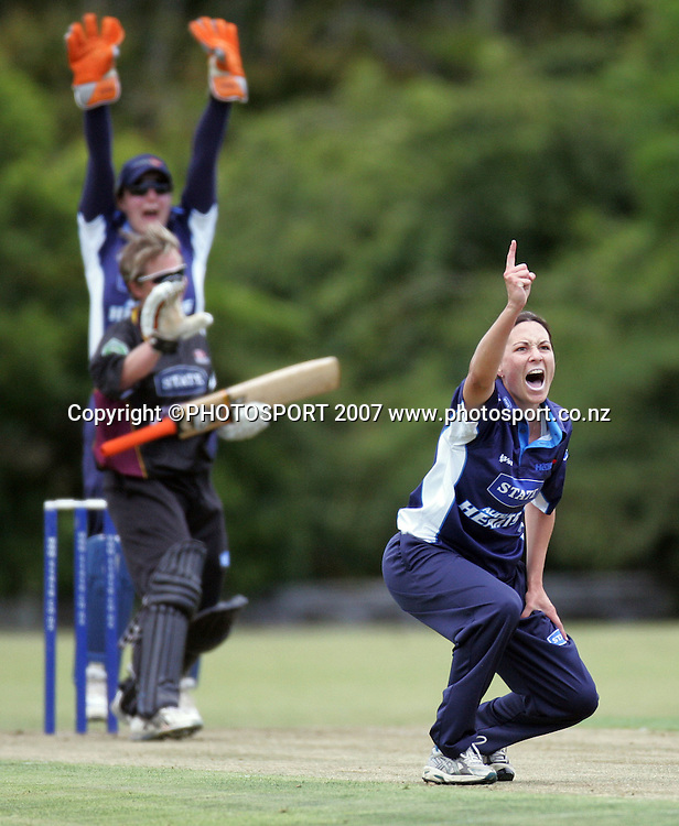 Auckland's Shanna Coetzee appeals for a wicket. State Auckland Hearts v State Northern Spirit. State League Twenty20. Melville Park, Auckland, New Zealand. Friday 28 December 2007. Photo: Hagen Hopkins/PHOTOSPORT