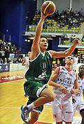DESCRIZIONE : Biella Lega A 2012-13  Angelico Biella Montepaschi Siena<br /> GIOCATORE : Kristjan Kangur<br /> SQUADRA : Montepaschi Siena <br /> EVENTO : Campionato Lega A 2012-2013 <br /> GARA : Angelico Biella Montepaschi Siena <br /> DATA : 29/10/2012<br /> CATEGORIA : Penetrazione Tiro<br /> SPORT : Pallacanestro <br /> AUTORE : Agenzia Ciamillo-Castoria/ L.Goria<br /> Galleria : Lega Basket A 2012-2013 <br /> Fotonotizia : Biella Lega A 2011-12  Angelico Biella Montepaschi Siena <br /> Predefinita