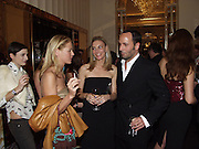 Kim Hersof and Tom Ford. David Bailey dinner hosted by Lucy Yeomans at Gordon Ramsay at Claridge's. 12 November 2001. © Copyright Photograph by Dafydd Jones 66 Stockwell Park Rd. London SW9 0DA Tel 020 7733 0108 www.dafjones.com