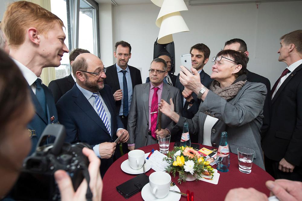 22 FEB 2017, LUEBBEN/GERMANY:<br /> Martin Schulz (2.v.L.), SPD, Kanzlerkandidat, besucht einen Empfang mit Ehrenaemtlern, Spreewaldklinik<br /> IMAGE: 20170222-01-109<br /> KEYWORDS: Ehrenamtsempfang