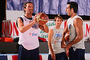 DESCRIZIONE : Bormio Raduno Collegiale Nazionale Maschile Allenamento <br /> GIOCATORE : Luca Infante Tommaso Fantoni <br /> SQUADRA : Nazionale Italia Uomini <br /> EVENTO : Raduno Collegiale Nazionale Maschile <br /> GARA : <br /> DATA : 22/07/2008 <br /> CATEGORIA : Ritratto <br /> SPORT : Pallacanestro <br /> AUTORE : Agenzia Ciamillo-Castoria/S.Silvestri <br /> Galleria : Fip Nazionali 2008 <br /> Fotonotizia : Bormio Raduno Collegiale Nazionale Maschile Allenamento <br /> Predefinita :