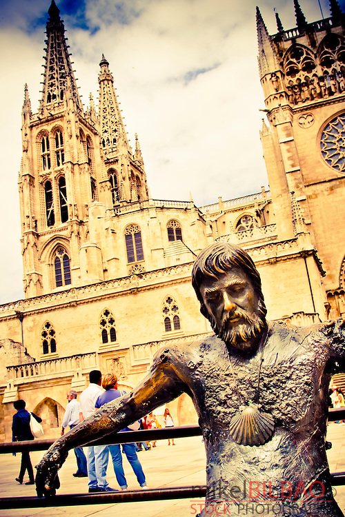 Statue and Cathedral. Burgos city.<br />