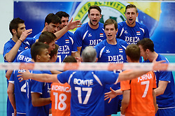 17-05-2013 VOLLEYBAL: BELGIE - NEDERLAND: KORTRIJK<br /> Nederland wint de eerste oefenwedstrijd met 3-0 van Belgie / Vreugde bij Nederland na de 3-0 winst met oa. .nl12/, Niels Klapwijk, Maarten van Garderen, Thomas Koelewijn, Robin Overbeeke<br /> &copy;2013-FotoHoogendoorn.nl