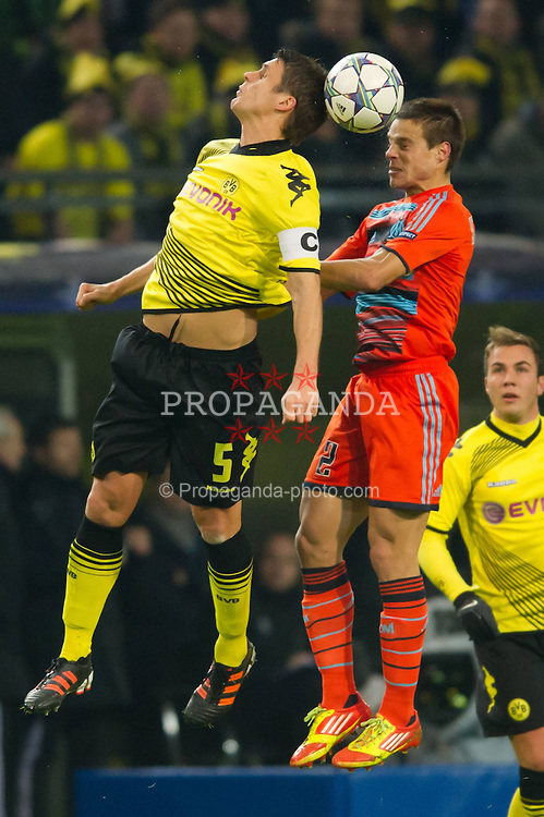 06.12.2011, Signal Iduna Park, Dortmund, GER, UEFA Champions League, Gruppe F, Vorrunde, Borussia Dortmund (GER) vs Olympique Marseille (FRA), im Bild Zweikampf Sebastian Kehl (#5 Dortmund) - Cesar Azpilicueta (#2 Marseille) // during the football of UEFA Champions League, Pool F, Borussia Dortmund (GER) vs. Olympique Marseille (FRA) at Signal Iduna Park, Dortmund, GER, on 2011/12/06. EXPA Pictures © 2011, PhotoCredit: EXPA/ nph/ Kurth..***** ATTENTION - OUT OF GER, CRO *****