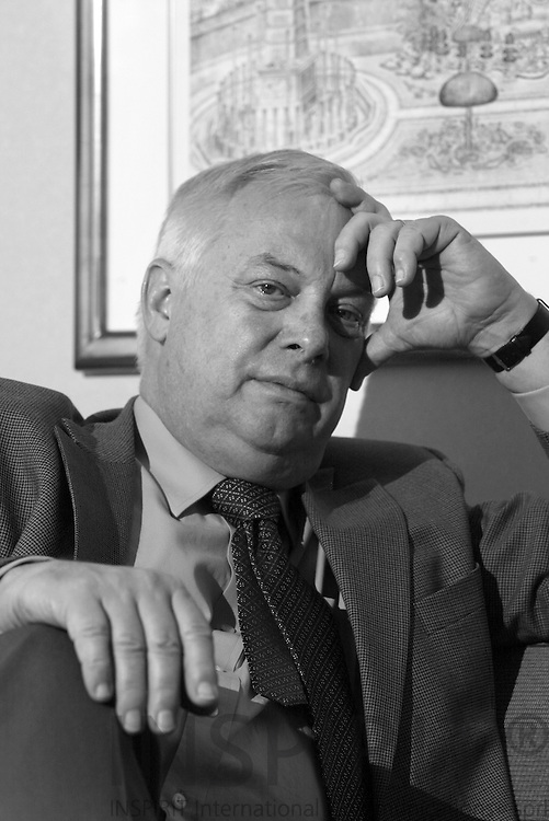 BRUSSELS - BELGIUM - 09 APRIL 2006 -- Former EU Commissioner Chris PATTEN during a interview at his room at Hilton Hotelm Brussels. PHOTO: ERIK LUNTANG /