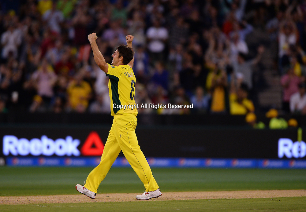 Mitchell Marsh (AUS) gets the wicket of Jos Butler (ENG)<br /> Australia vs England / Match 2<br /> 2015 ICC Cricket World Cup / Pool A<br /> MCG / Melbourne Cricket Ground <br /> Melbourne Victoria Australia<br /> Saturday 14 February 2015<br /> &copy; Sport the library / Jeff Crow