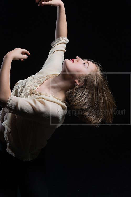 Dancer Tessa Hall.  Photo credit: Stephen A'Court.  COPYRIGHT ©Stephen A'Court