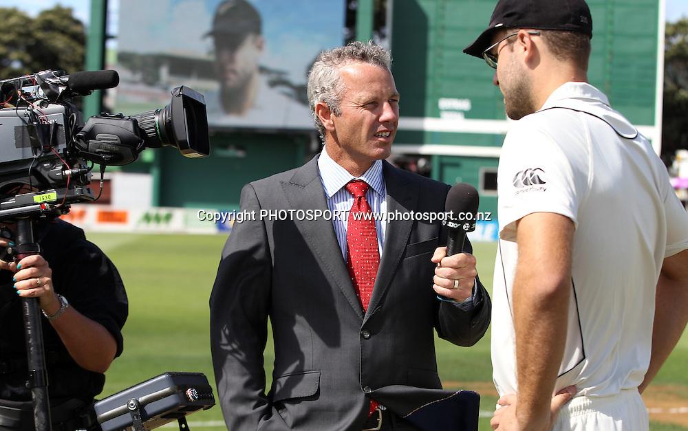 Sky TV's Mark RIchardson talks to NZ captain Daniel Vettori prior to play on Day 1 of the 2nd test match.  New Zealand Black Caps v Pakistan, Test Match Cricket. Basin Reserve, Wellington, New Zealand. Saturday 15 January 2011. Photo: Andrew Cornaga/photosport.co.nz