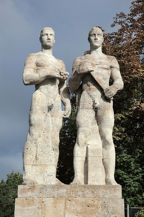 Relay Runners statue, 1935-37, by Karl Albiker, outside the Olympiastadion on the Reichssportfled, now Olympiapark Berlin, Berlin, Germany. Picture by Manuel Cohen