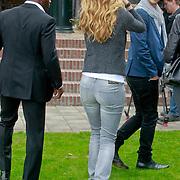 NLD/Amsterdam/20110407 - Castpresentatie film Nova Zembla 3D, beveiliging voor Doutzen Kroes