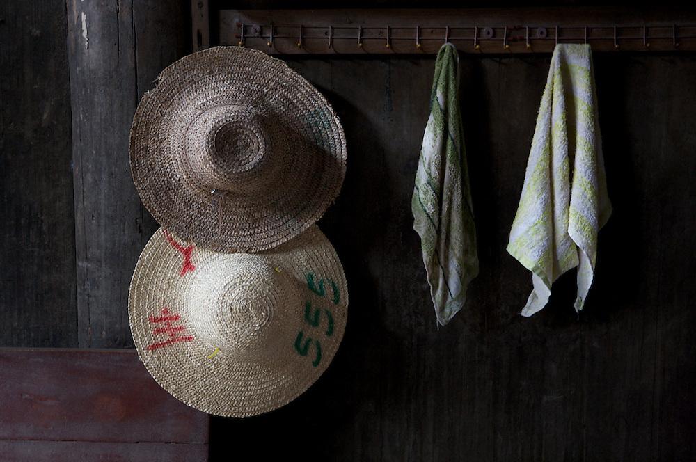 China-Guilin-hats