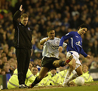 Photo: Aidan Ellis.<br /> Everton v Chelsea. The FA Cup. 28/01/2006.<br /> Chelsea's Glen Johnson challenges Everton's Mikkael Arteta as David Moyes looks on