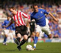 Fotball<br /> England 2004/2005<br /> Foto: SBI/Digitalsport<br /> NORWAY ONLY<br /> <br /> Ipswich Town v Sunderland<br /> <br /> The Coca-Cola Football League Championship. Portman Road.<br /> 17/04/05<br /> <br /> Ipswich's Shefki Kuqi and Sunderlands Stephen Caldwell battle for the ball.