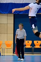 11-01-2015 NED: FIVB U21 WK kwalificatie Bulgarije - Kroatie, Zwolle<br /> Lijnrechter in actie
