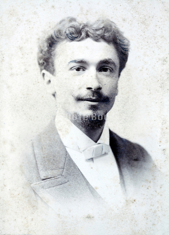 studio portrait man late 1800s