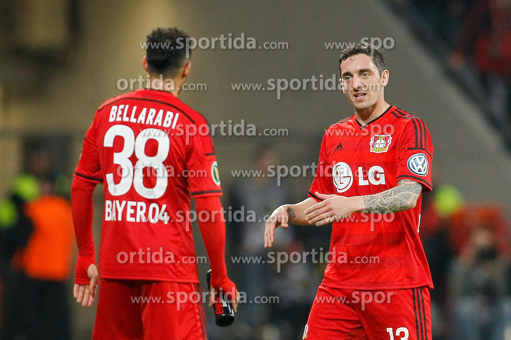 08.04.2015, BayArena, Leverkusen, GER, DFB Pokal, Bayer 04 Leverkusen vs FC Bayern Muenchen, Viertelfinale, im Bild Roberto Hilbert (Bayer 04 Leverkusen #13) im Gespraech mit Karim Bellarabi (Bayer 04 Leverkusen #38) // during the German DFB Pokal quarter final match between Bayer 04 Leverkusen and FC Bayern Munich at the BayArena in Leverkusen, Germany on 2015/04/08. EXPA Pictures &copy; 2015, PhotoCredit: EXPA/ Eibner-Pressefoto/ Sch&uuml;ler<br /> <br /> *****ATTENTION - OUT of GER*****