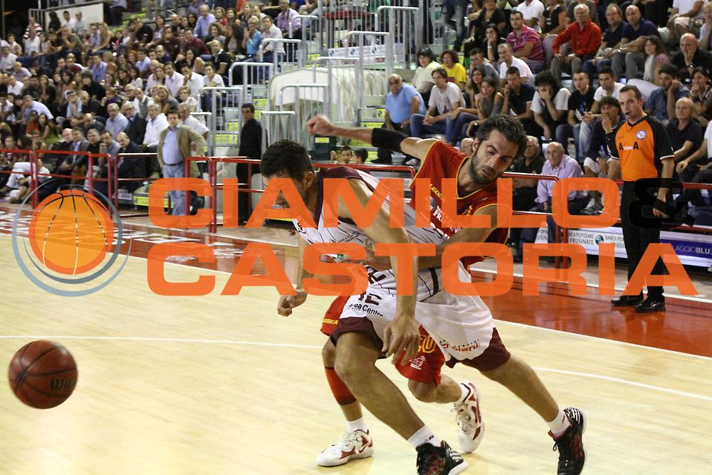 DESCRIZIONE : Ferentino Lega Basket A2 ottavi di finale qualificazioni final four eurobet 2012-13  Fmc Ferentino Prima Veroli <br /> GIOCATORE : Gurini Giacomo<br /> CATEGORIA : palleggio <br /> SQUADRA : Fmc Ferentino<br /> EVENTO : Lega Basket A2 ottavi di finale qualificazioni final four eurobet 2012-13 <br /> GARA : Fmc Ferentino Prima Veroli <br /> DATA : 26/09/2012<br /> SPORT : Pallacanestro <br /> AUTORE : Agenzia Ciamillo-Castoria/ M.Simoni<br /> Galleria : Lega Basket A2 2012-2013 <br /> Fotonotizia : Ferentino Lega Basket A2 ottavi di finale qualificazioni final four eurobet 2012-13  Fmc Ferentino Prima Veroli <br /> Predefinita :