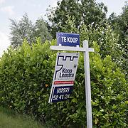 NLD/Zevenhoven/20080615 - Woning Isa Hoes en Anthonie Kamerling staat nog steeds te koop