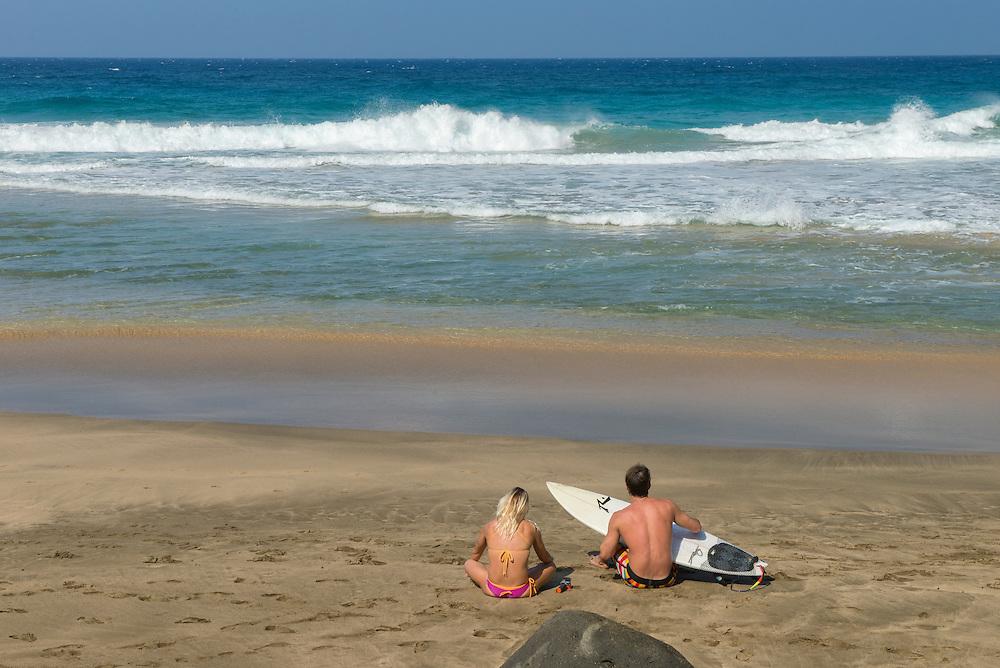 USA, Hawaii, Island, Kauai, Hanalei, Na Pali Coast, island, tropical, beach, surfing, people, couple,