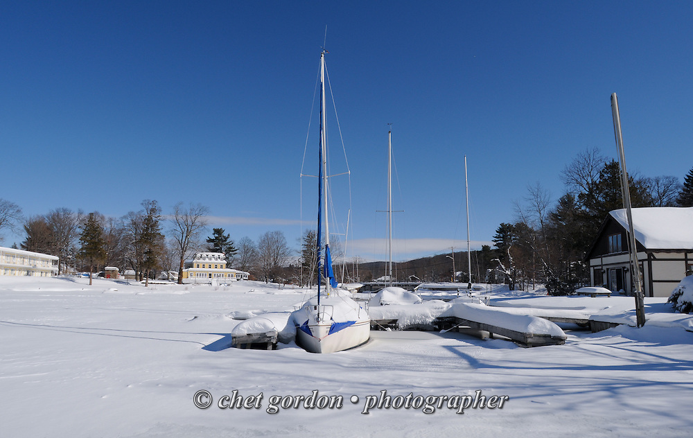 Winter snowfall in Greenwood Lake, NY on Friday, February 14, 2014.  © Chet Gordon • Photographer