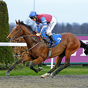 Spillway and Jimmy Fortune winning the 7.30 race