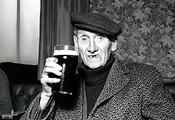 Elderly man in pub, Nottingham 1981