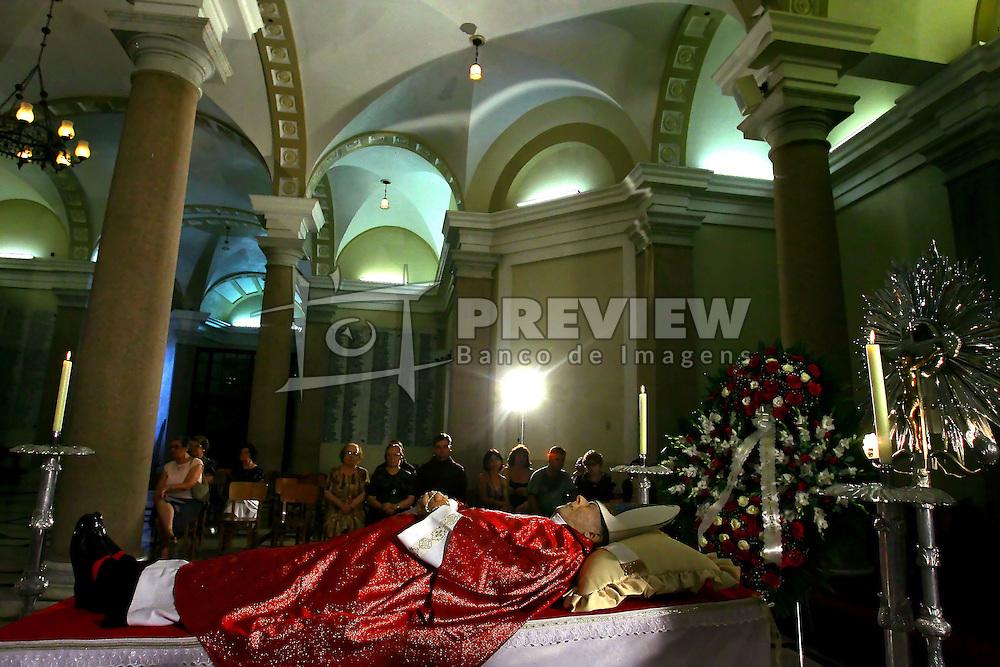 Velório do cardeal de Aparecida, d. Aloisio Lorscheider, na cripta da Catedral Metropolitana de Porto Alegre. FOTO: Jefferson Bernardes / Preview.com