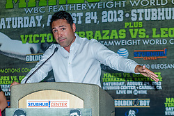 CARSON, California/USA (Thursday, Aug 22 2013) - Former pro boxer, founder and president of Golden Boy Promotions Oscar De La Hoya, addresses the media during the last Mares vs Gonzalez press conference at The SubHub Center in Carson, CA.  PHOTO © Eduardo E. Silva/SILVEXPHOTO.COM.