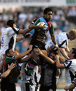 Twickenham, GREAT BRITAIN, Quins Chris HALA'UFIA wins the line out ball  during the Guinness Premiership match, NEC Harlequins and Leicester Tigers, at the Twickenham Stoop Stadium, ENGLAND, 23/09/2006. [Photo, Peter Spurrier/Intersport-images].