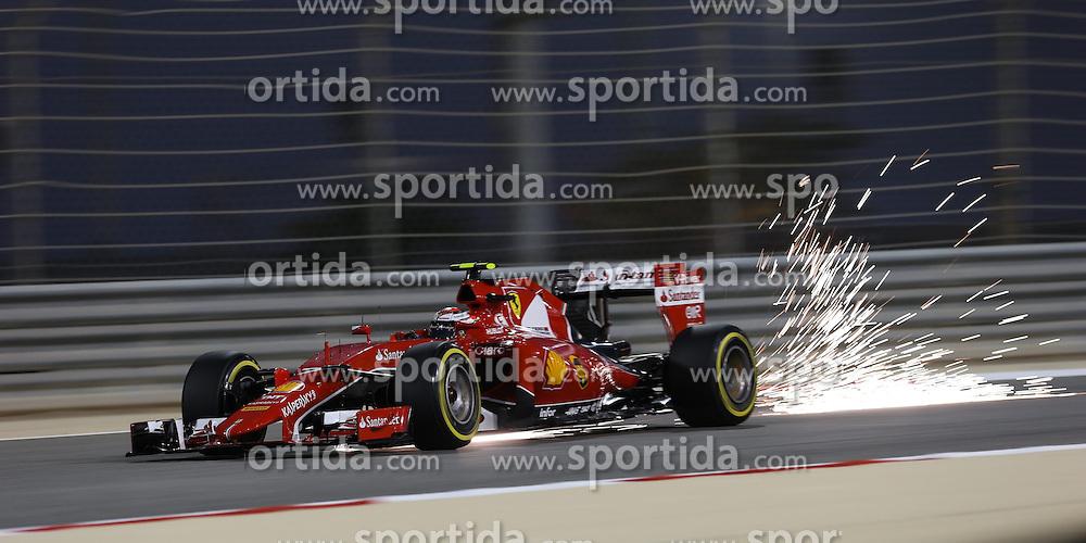 18.04.2015, International Circuit, Sakhir, BHR, FIA, Formel 1, Grand Prix von Bahrain, Qualifying, im Bild Kimi Raikkonen (FIN) Ferrari SF15-T sparks // during Qualifying of the FIA Formula One Bahrain Grand Prix at the International Circuit in Sakhir, Bahrain on 2015/04/18. EXPA Pictures &copy; 2015, PhotoCredit: EXPA/ Sutton Images/ Mirko Stange<br /> <br /> *****ATTENTION - for AUT, SLO, CRO, SRB, BIH, MAZ only*****
