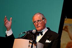 08-10-2006 VOLLEYBAL: GALA 2006: DOETINCHEM<br /> In de schouwburg van Doetinchem werd het volleybalgala 2006 gehouden / Voorzitter Hans Nieukerke<br /> ©2006-WWW.FOTOHOOGENDOORN.NL