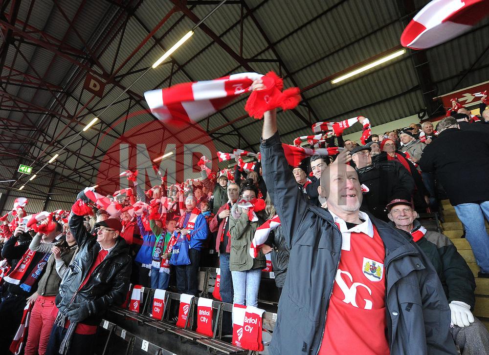 - Photo mandatory by-line: Alex James/JMP - Mobile: 07966 386802 - 25/01/2015 - SPORT - Football - Bristol - Ashton Gate - Bristol City v West Ham United - FA Cup Fourth Round
