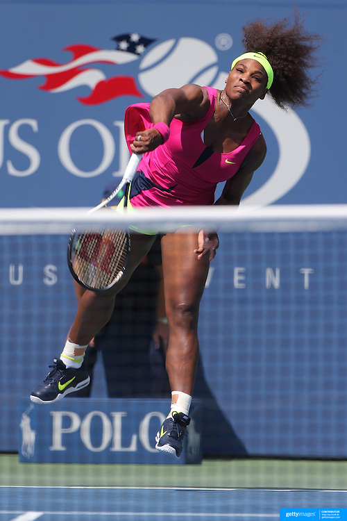 Serena Williams, USA, in action against Ekaterina Makarova, Russia,  during the US Open Tennis Tournament, Flushing, New York. USA. 1st September 2012. Photo Tim Clayton