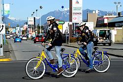 18-02-2010 SCHAATSEN: OLYMPISCHE SPELEN: 1000 METER VROUWEN: VANCOUVER<br /> NS fietsen<br /> ©2010-WWW.FOTOHOOGENDOORN.NL