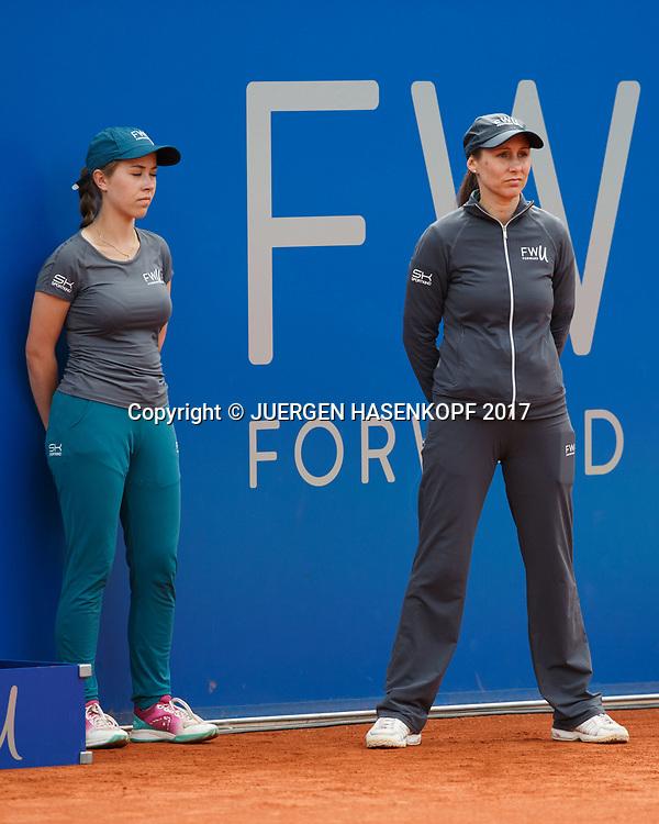 BMW Open 2017, Linienrichterin und Ballmaedchen,<br /> <br /> Tennis - BMW Open 2017 -  ATP  -  MTTC Iphitos - Munich -  - Germany  - 3 May 2017.