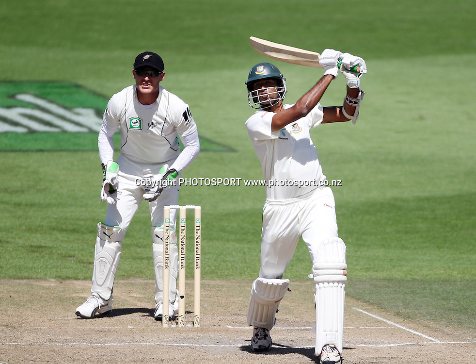 Shahadat Hossain hits out.<br />Day 5. Test match cricket. One off test.<br />New Zealand Black Caps versus Bangladesh.<br />Seddon Park, Hamilton, New Zealand.<br />Friday 19 February 2010.<br />Photo: Andrew Cornaga/PHOTOSPORT