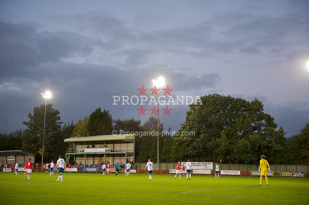 NEWTOWN, WALES - Tuesday, September 14, 2010: Wales take on England during the Under-23 Semi-Pro International Friendly match at Latham Park. (Photo by David Rawcliffe/Propaganda)